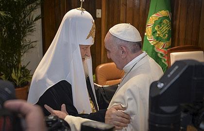 Состоялась первая в истории встреча предстоятелей Русской Православной и Римско-католической церквей