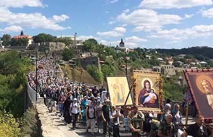 Антивоенный крестный ход объединит Украину